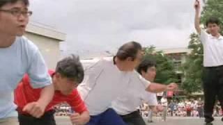 宇宙人ジョーンズが家族揃って運動会に参加、ジョーンズのパン喰いに注...