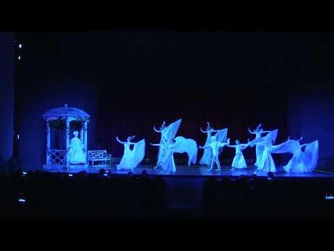 Необычный пролог увидели участники форума Евразия перед просмотром мюзикла