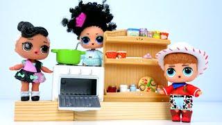 Мир LoL , новая серия мультика— Маленькие куклы готовят суп для мамы— Видео для детей скуклами