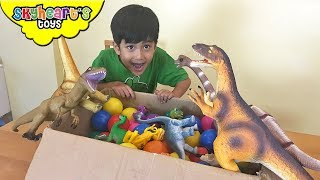 BABY Brachiosaurus lost in the ball pit | Skyheart finds baby dinosaurs for kids