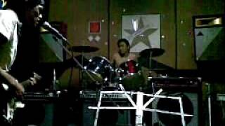 Video Jimmy Eat World - The Middle (Idiots Cover) download MP3, 3GP, MP4, WEBM, AVI, FLV Agustus 2018
