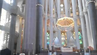 Барселона Саграда Фамилия(Внутренний круговой вид храма Саграда Фамилия в Барселоне., 2014-06-29T07:15:07.000Z)