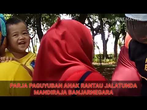 Lagu kebangsaan INDONESIA raya di nyanyikan PARJA PAGUYUBAN ANAK RANTAU JALATUNDA