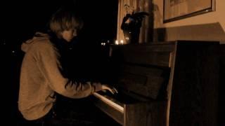 """""""Dort und hier"""" (Herbert Grönemeyer) - Piano & Vocals Cover by Julian W."""