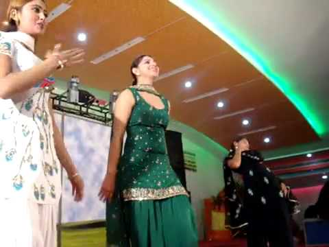 Dancing S At Punjabi Wedding January 2009 Padampur Flv