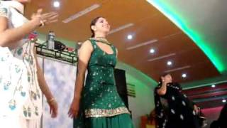 Dancing Girls At Punjabi Wedding, January 2009  padampur .flv