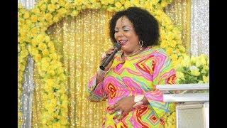 Nitamwimbia BWANA kwakuwa Yeye ameniona   Martha Komanya