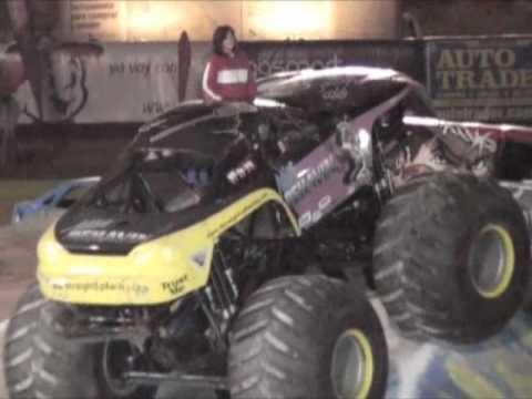 Auto Trader en Monster Trucks Tijuana '09 - YouTube