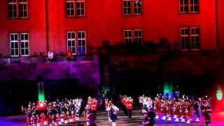 Video Basel Tattoo 2011 - Band of the Royal Regiment of Scotland (Schottland) download MP3, 3GP, MP4, WEBM, AVI, FLV Agustus 2018
