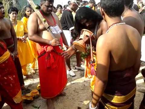 Sakthi Alaippu Udukai Padal During Durgaiamman Thiruvizha