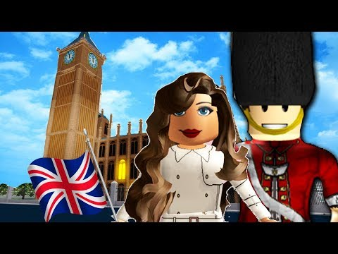 WE BROKE INTO THE PALACE! | Roblox Travelling to London | Central London, United Kingdom