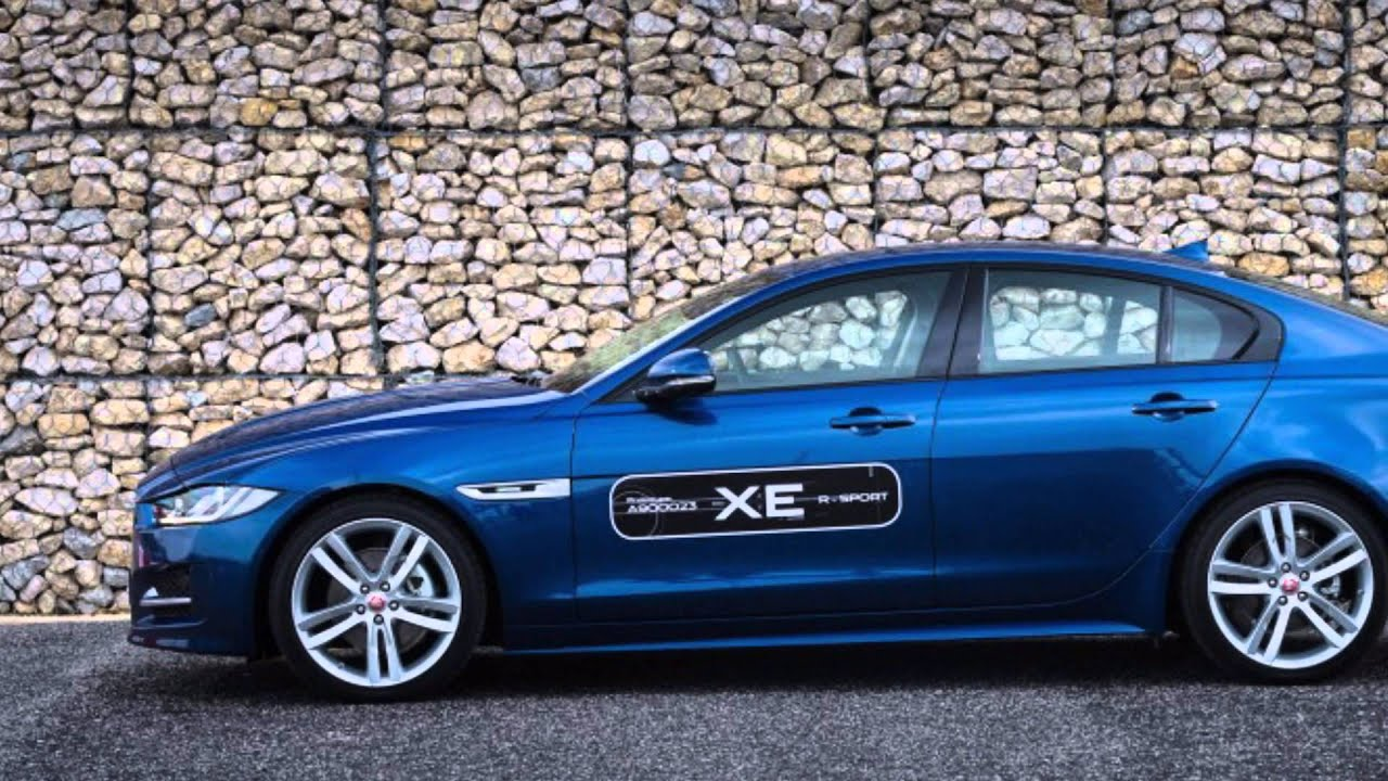 2017 jaguar xe s vs 2017 jaguar xe 20d r sport youtube. Black Bedroom Furniture Sets. Home Design Ideas