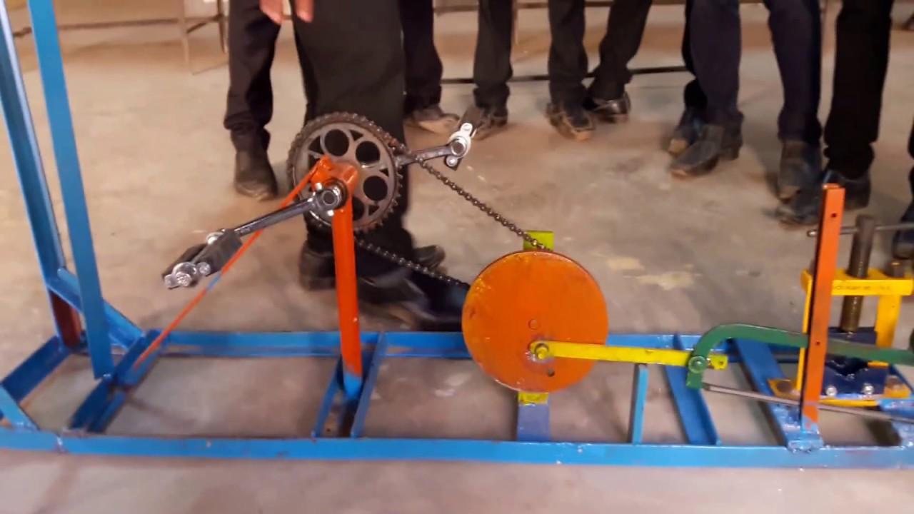 Pedal hacksaw machine