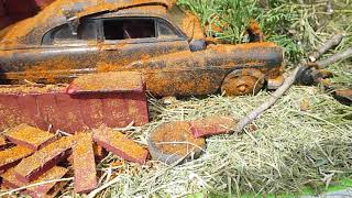 Diorama build 1949 Merc custom that has been sitting for a while