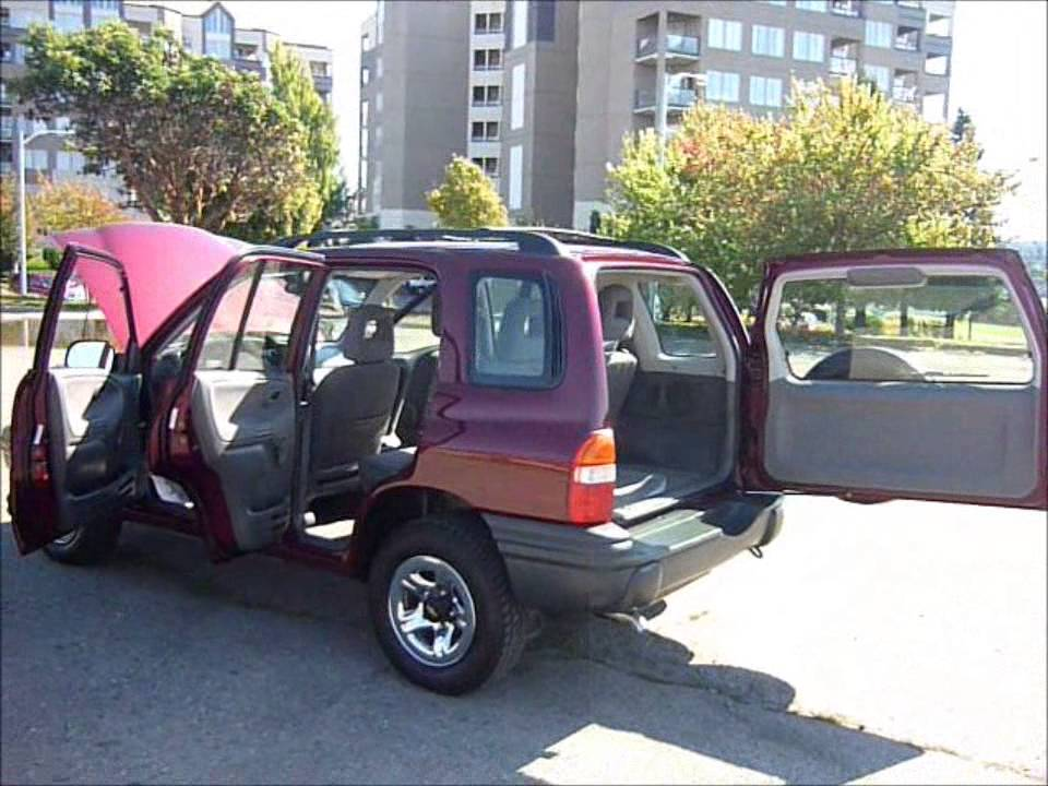 2002 Chevrolet Tracker 4wd - 4cyl  - 5 Speed Trans