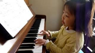 2011年12月1日。玲菜4歳。幼稚園の年中さんです。カワイ音楽教室でピア...