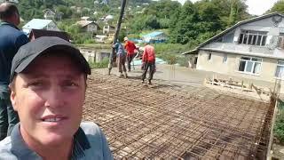Строим дом в Сочи. Приёмка армирования и бетонирование плиты второго этажа. Осадка фундамента.