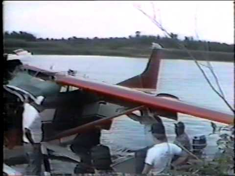 Helicopter Salvage of a Seaplane in Canada