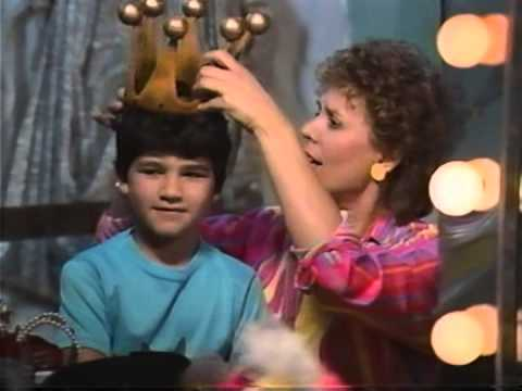 Sharon, Lois & Bram - Three Little Fishies from YouTube · Duration:  1 minutes 20 seconds