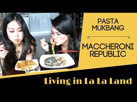 Oscars Night: Italian Food / Pasta Mukbang Eating Show - Living in La La Land