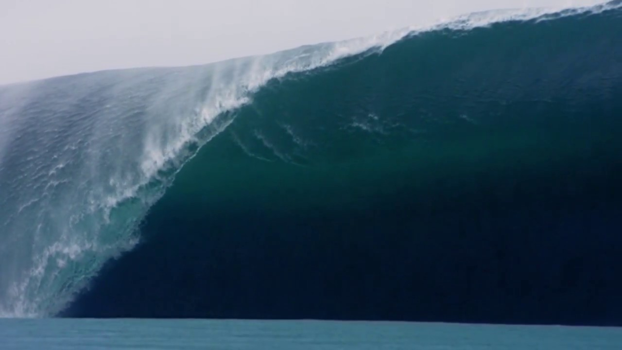 Huge Wave In Slow Motion Teahupoo Tahiti Big Waves