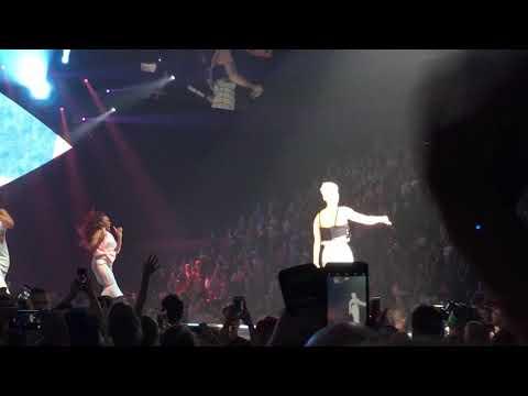 TGIF - Katy Perry World premiere - Witness tour