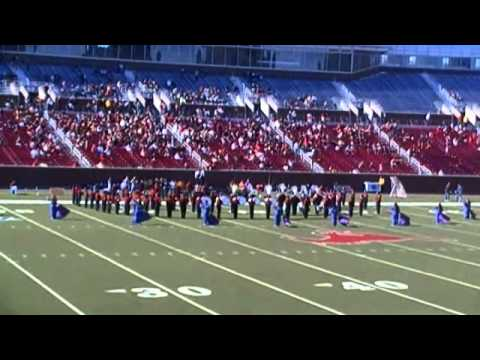SGHS Performs Fight Song at SMU Stadium