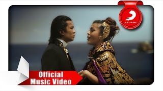 Novita Dewi & Alex Rudiart - Hingga Menutup Mata (Official Music Video)