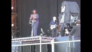 Joan Armatrading - Drop The Pilot - Live at The Isle of Wight Festival 2012
