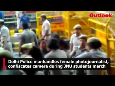 Delhi Police manhandles female photojournalist, confiscates camera during JNU students march