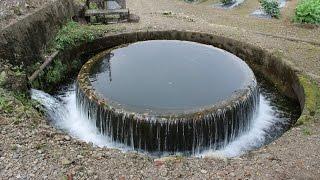 赤祖父円筒分水槽(富山県南砺市)