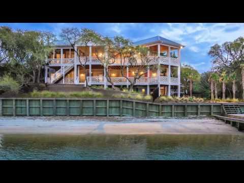 Captivating Island Estate in Topsail Beach, North Carolina
