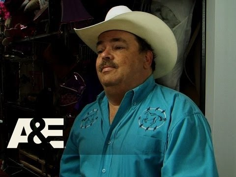 Storage Wars: Texas: Jenny and Mary's Catfight Season 3, Episode 11  A&E