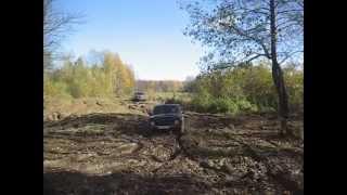 видео Т 40 на колесах от комбайна работает в болоте