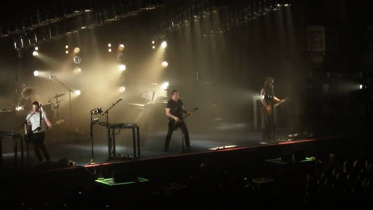 Nine Inch Nails - Terrible Lie - Wave Goodbye Tour - Live in Chicago ...