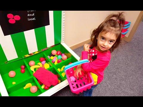 Having Fun Kids PlayArea / Kitchen Pretend Food