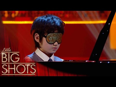 8yr old plays piano BLINDFOLDED | Little Big Shots