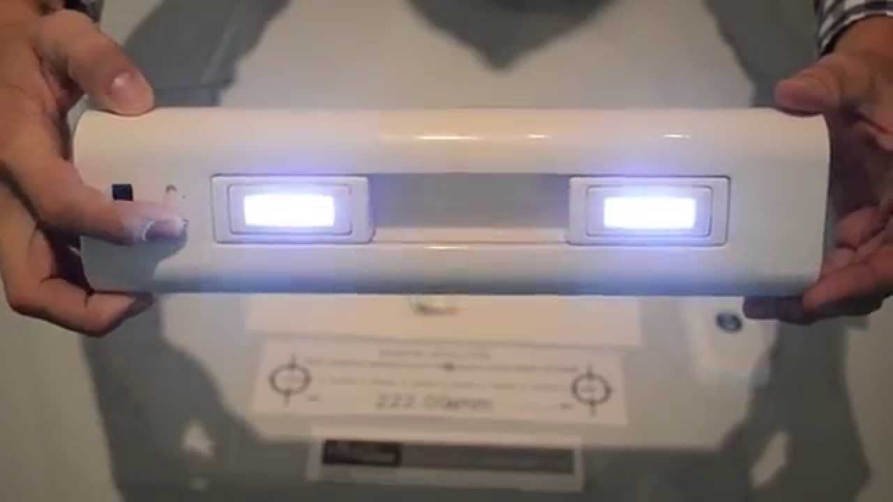 Led Battery Operated Ultra Bright Under Cabinet Light With Sliding Heads And Remote Control