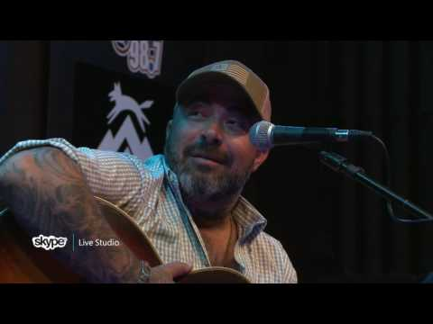 Aaron Lewis - Interview (98.7 THE BULL)