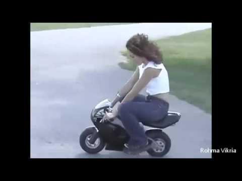 MUVIZA COM  Video Lucu Motor Jatuh Bikin Ketawa Ngakak