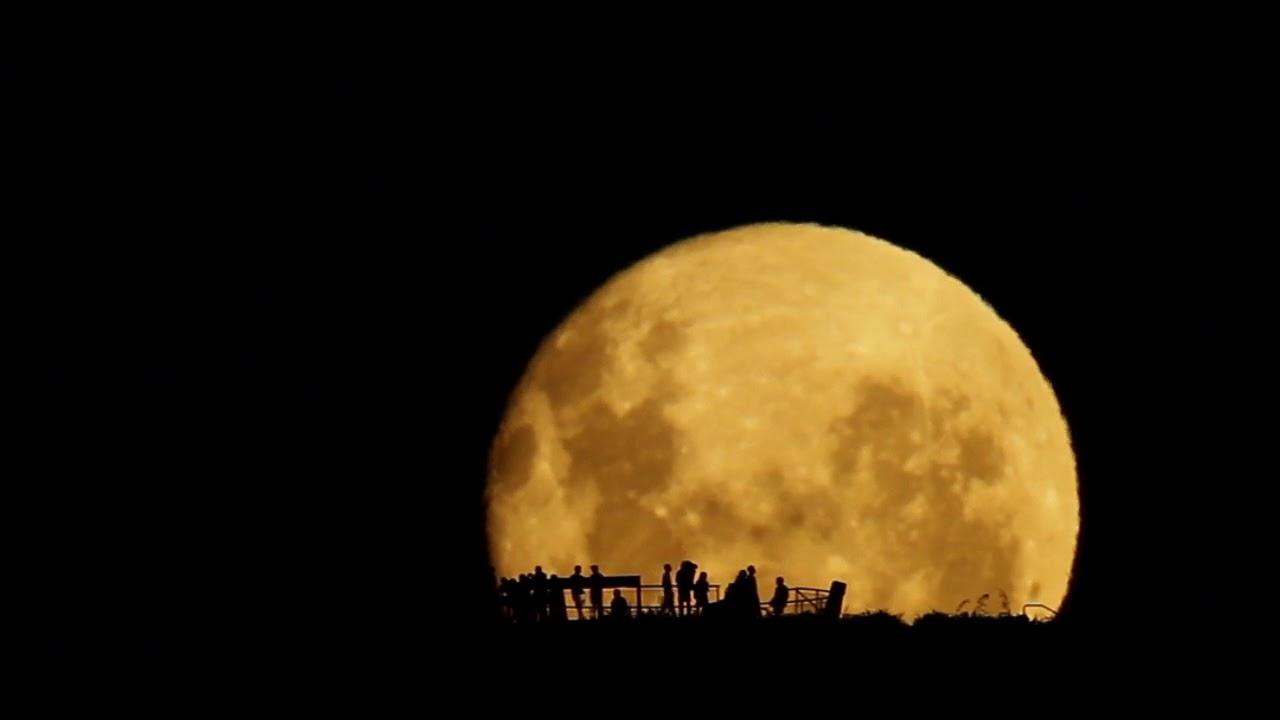 ПОЧЕМУ Луна светит!!!