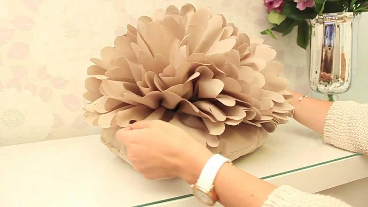 Diy coussin fleur youtube - Comment fabriquer un coussin ...