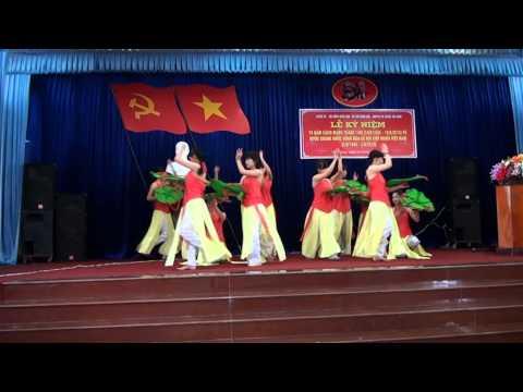 Những cô gái Việt Nam (múa)