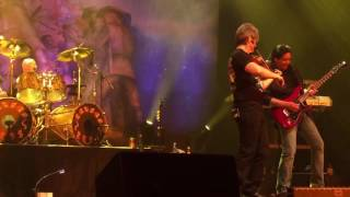 Front row 1080p HD iPhone video. Recorded live at Paramount Theatre...