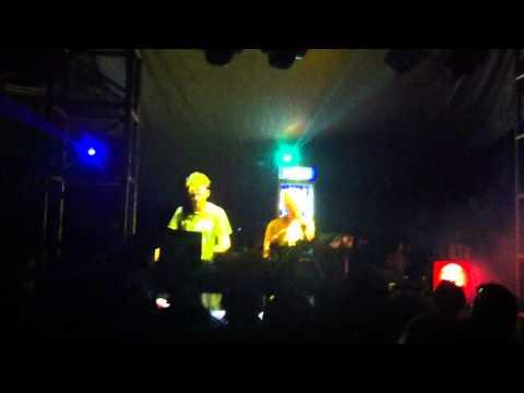Loud Neighbor -  live @ Sunjam 2011 part 2