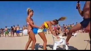 Игри и конкурсы на пляже(Игри и конкурсы на пляже Интересные видеоролики с музыкой, приколами, танцами, драками, полетами и спортивн..., 2016-04-03T20:17:12.000Z)