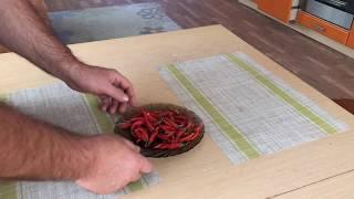 Как сделать супер острый соус чили дома (два рецепта)