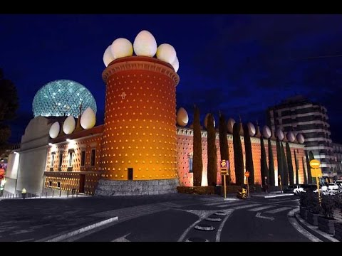A Walk Around The Salvador Dali Museum - Figueres, Spain