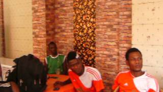 Le President Jean max Mayaka encourageant les joueurs du fc Renaissance du Congo ce mardi 4 nov 2014