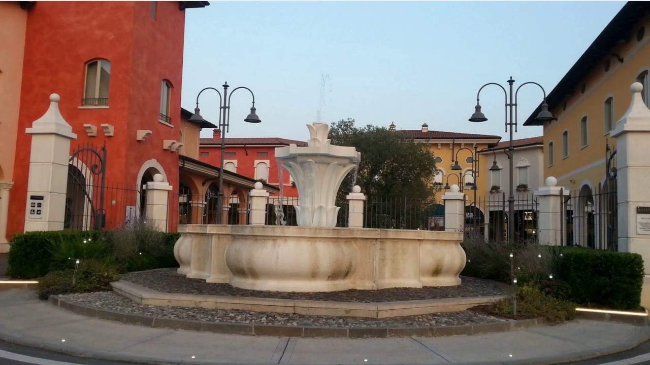 Recensioni Mantova Outlet Village - YouTube